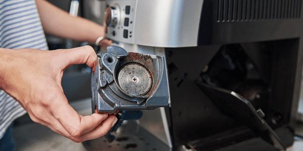 Il filtro della macchina da caffé: manutenzione e pulizia